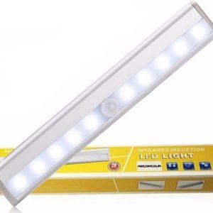 Motion-Sensing Light Bar